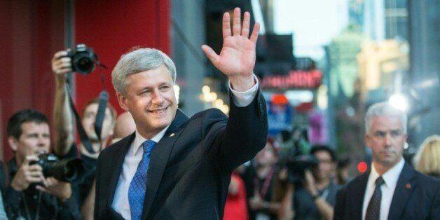 Le Premier ministre conservateur, Stephen Harper, juste avant un débat électoral, à Toronto le 6 août