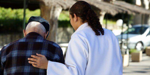 Hospitalisation à domicile: le ministère de la Santé donne carte blanche au secteur