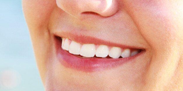 Voici trois astuces simples pour avoir des dents blanches et