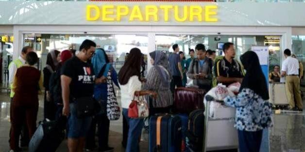 Éruption d'un volcan en Indonésie: l'aéroport de Bali fermé, des centaines de vols