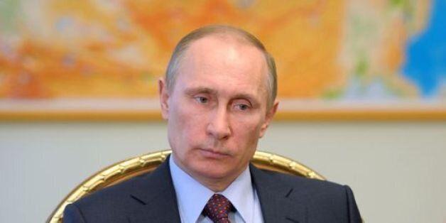 Crash d'un avion russe: Poutine ordonne l'envoi d'équipes de secours en