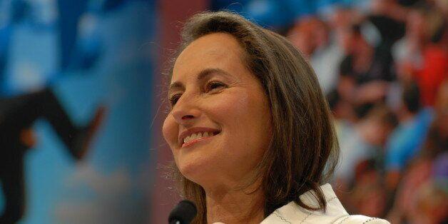 La ministre française de l'écologie, Ségolène Royal en visite en Algérie les 2 et 3