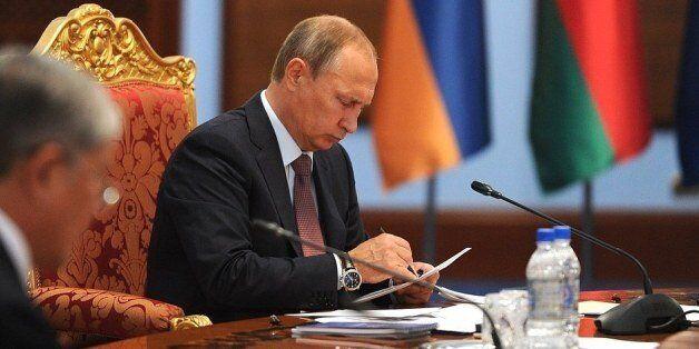 Syrie: le sénat russe autorise Poutine à recourir à la force militaire à