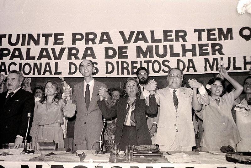 Presidente do Conselho Nacional dos Direitos da Mulher (CNDM), Jaqueline Pitanguy (primeira à...