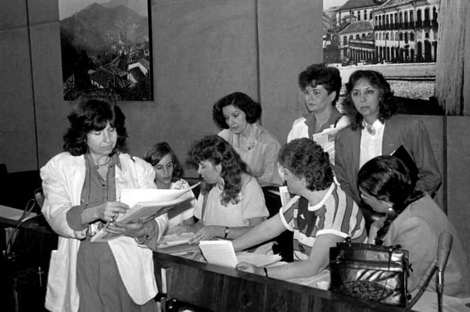 """Carta das Mulheres Brasileiras aos Constituintes pedia que fosse garantido à mulher o """"direito..."""