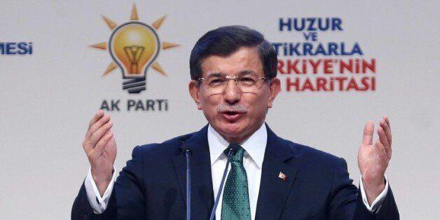 Le Premier ministre turc Ahmed Davutoglu, le 4 octobre 2015 à