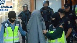 Dix recruteurs présumés de l'EI arrêtés en Espagne et au