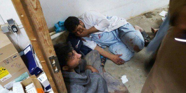 Du personnel afghan de MSF bouleversés après le bombardement de l'hôpital à Kunduz le 3 octobre