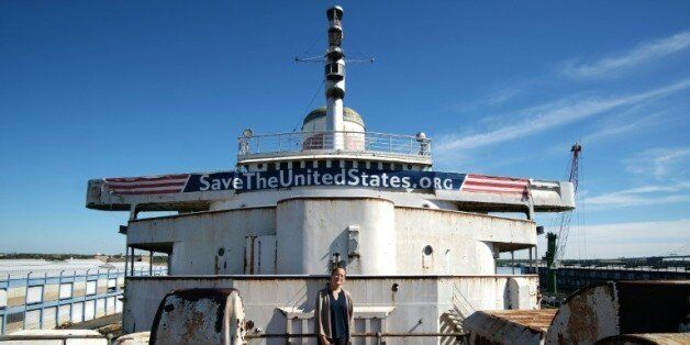 Le paquebot United States amarré au quai du port de Philadelphie le 10 octobre