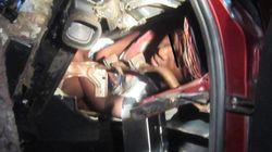 Un migrant caché dans le tableau de bord d'une voiture tente de rejoindre