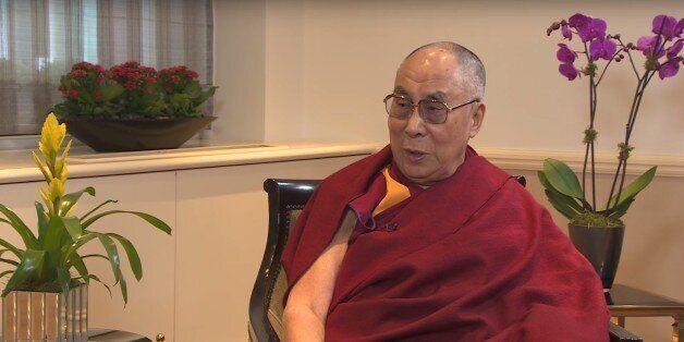 Le dalaï-lama souhaite que la femme qui lui succède