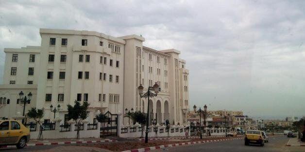 Une vue du tribunal de