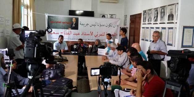 Tunisie: Un blogueur détenu depuis deux mois pour une vidéo accusant les forces de l'ordre dans l'attentat...