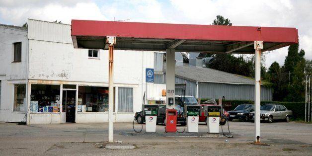 Combien coûte un litre d'essence en Tunisie par rapport au reste du