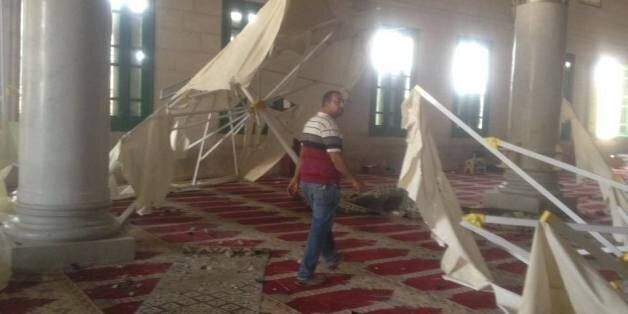 L'intérieur de la mosquée après l'intervention des forces