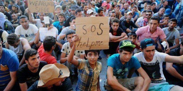 Hongrie: des réfugiés prennent d'assaut la gare de Budapest après sa