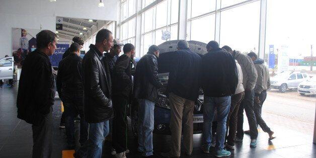 A Oran, chez un concessionnaire Renault, on ausculte la