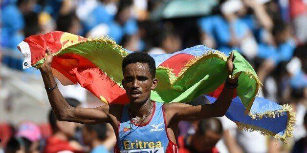 L'Erythréen Ghirmay Ghebreslassie remporte le marathon aux Mondiaux d'athlétisme à Pékin, le 22 août