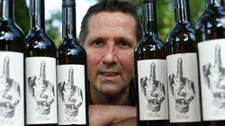 Pourquoi ce viticulteur allemand a mis un doigt d'honneur sur ses