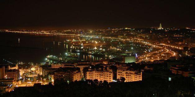 Les nuits d'Alger troublées par les pétards, fumigènes, feux d'artifices et