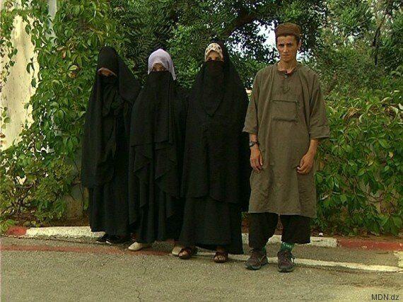 Un terroriste s'est rendu en compagnie de trois femmes à