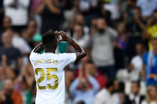 El Madrid gana a Osasuna (2-0) a base de samba con goles de Vinicius y