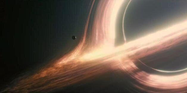 Pour Stephen Hawking, il y a un moyen de sortir d'un trou noir (en quelque