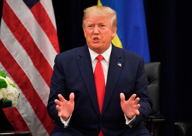 Donald Trump se reunión con el presidente ucraniano Volodymyr Zelensky instantes antes de su comparecencia...