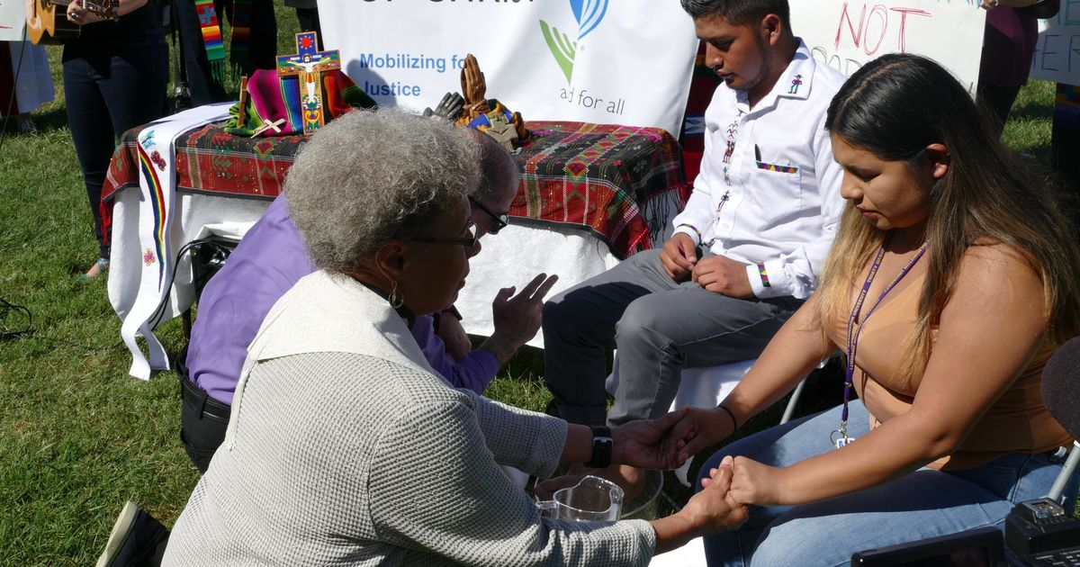 <b>Pastors Wash Immigrants' Feet To Honor Their Difficult Journeys</b>