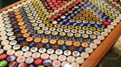 Vous ne savez pas quoi faire de vos capsules de bière ? Faites en une