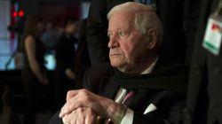 Allemagne: l'ancien chancelier Helmut Schmidt hospitalisé pour