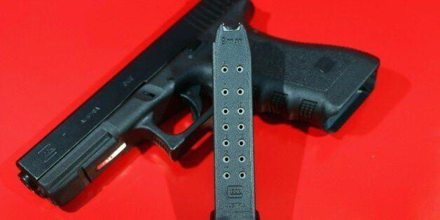 Etats-Unis: un enfant de 3 ans a été tué par le tir d'un garçon de 11 ans qui jouait avec le pistolet...
