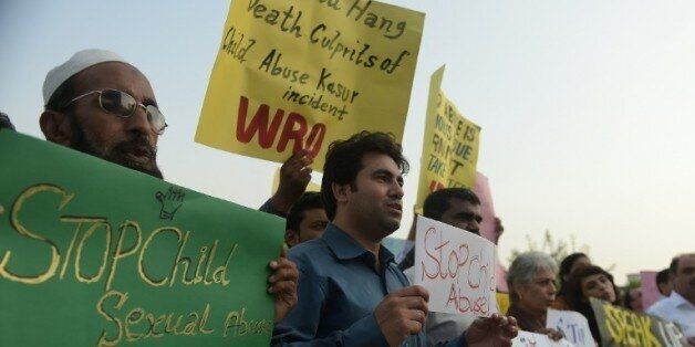 Pakistan: Nouvelles arrestations dans un vaste scandale de viols sur