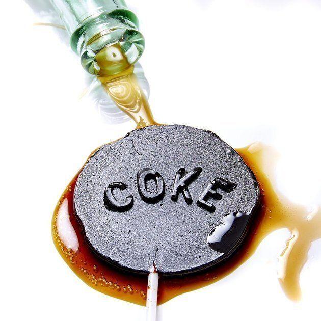 Des sucettes de soda géantes pour dénoncer la nocivité des boissons sucrées