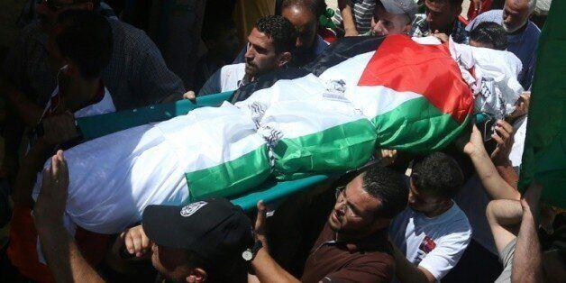 Des milliers de Palestiniens aux funérailles de Saad Dawabcheh, père du bébé brûlé
