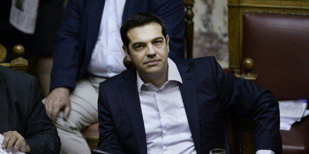 Remaniement en Grèce avant le coup d'envoi des négociations sur un nouveau
