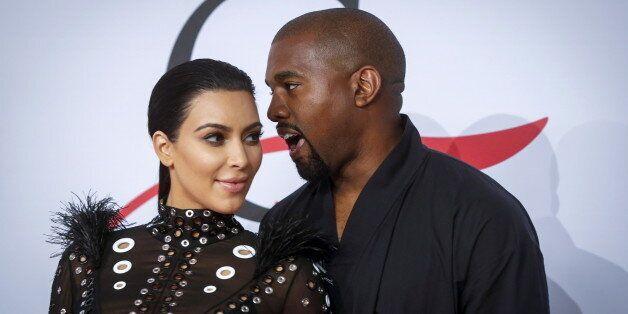 Kim Kardashian attend un petit