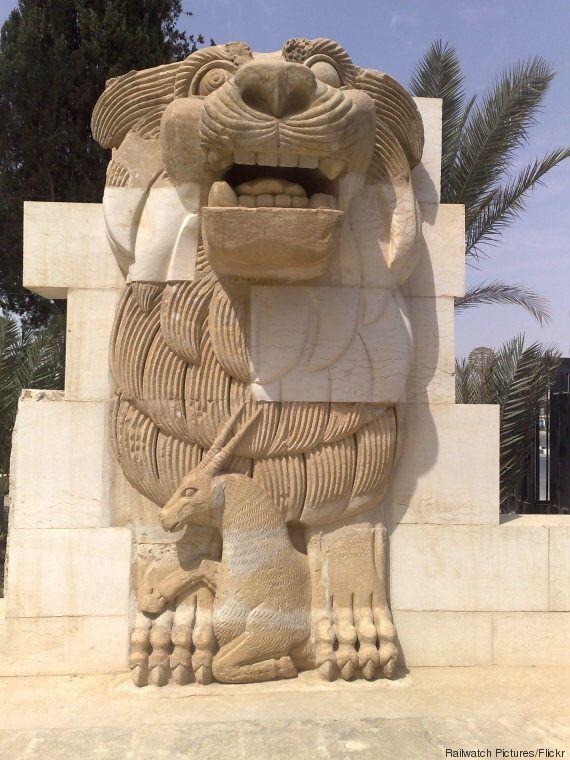 Palmyre: l'Etat islamique détruit une statue monumentale de 2000 ans,