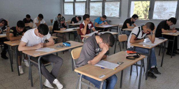 Baccalauréat 2015: le taux de réussite a atteint 55%, dépassant celui de l'année dernière