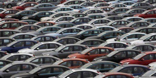 Les importations des véhicules soumises à des licences et plafonnées à 400.000 unités par