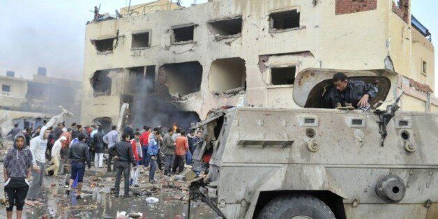 Un bâtiment de la police visé par un attendat le 12 avril 2015 à El-Arish dans le