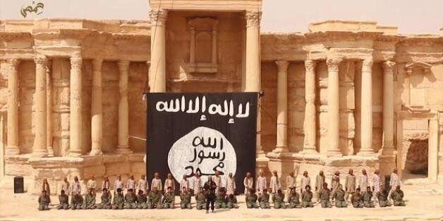 Syrie : le groupe État islamique diffuse une vidéo montrant une exécution de masse dans la cité antique...