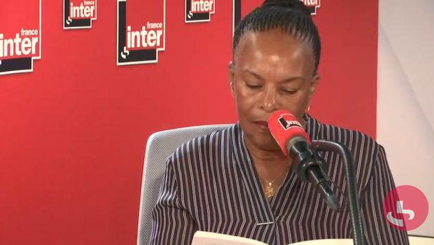 Christiane Taubira lit un extrait de son livre au micro de France Inter, le 26 septembre