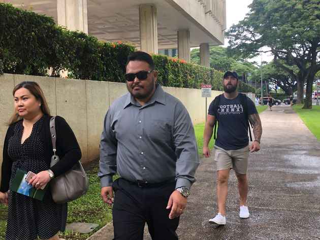 Hawaii Police Officer Forced Homeless Man To Lick Urinal, Court Hears