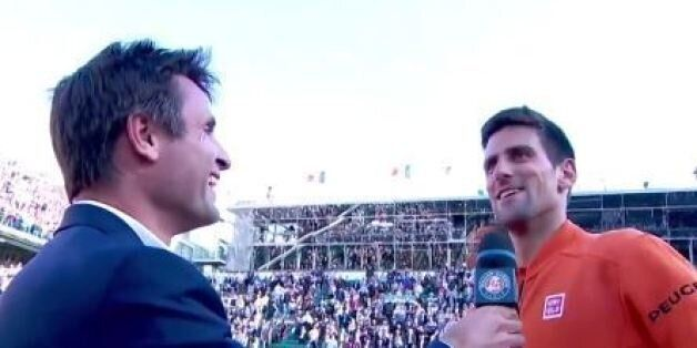 VIDÉO. Novak Djokovic chambre Fabrice Santoro devant tout le public du court