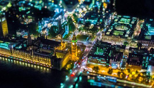 Londres paraît minuscule à 6000 pieds d'altitude