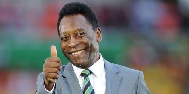 Brésil: Pelé hospitalisé après une opération de la