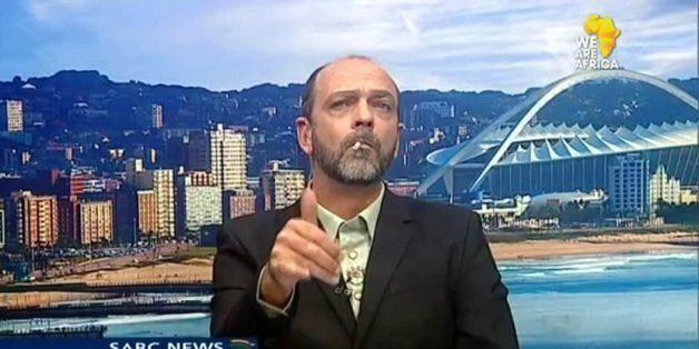 Afrique du Sud: Il allume un joint en direct à la