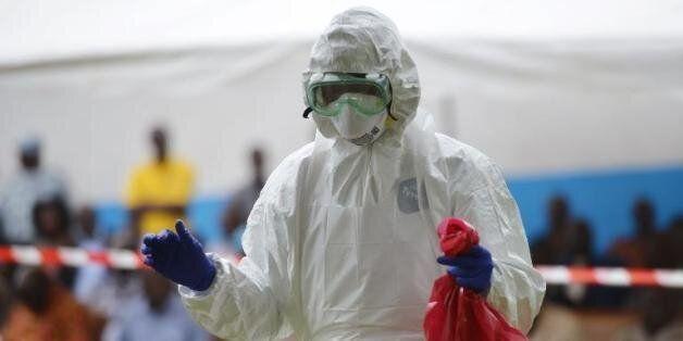 L'OMS a réagi trop tardivement à l'Ebola, selon des