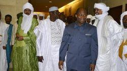 Le gouvernement malien signe la paix en grande pompe, mais sans la